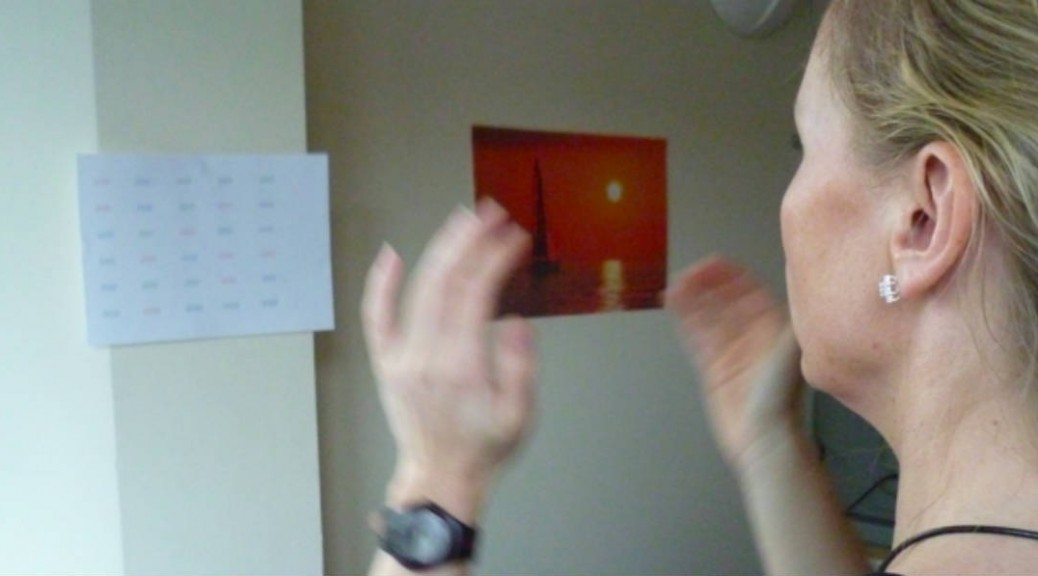 Iza Clapping 2